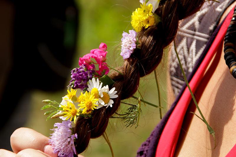 les-minuits-fleurs-dans-les-cheveux