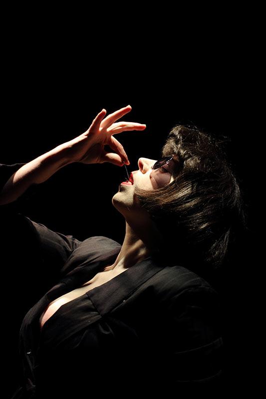 Les-Minuits-cabaret-minuits-serafine-farakiri-debut-01