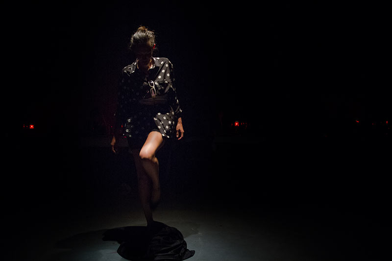Les-Minuits-cabaret-minuits-serafine-jupe-perpetuelle-02