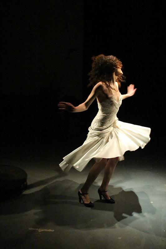 Les-Minuits-cabaret-minuits-serafine-petogirl-03