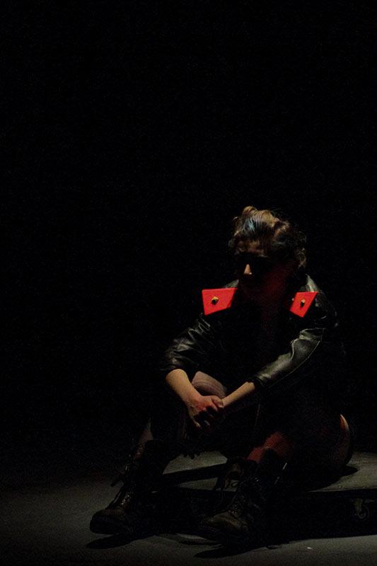 Les-Minuits-cabaret-minuits-serafine-pleurs-punkette-01