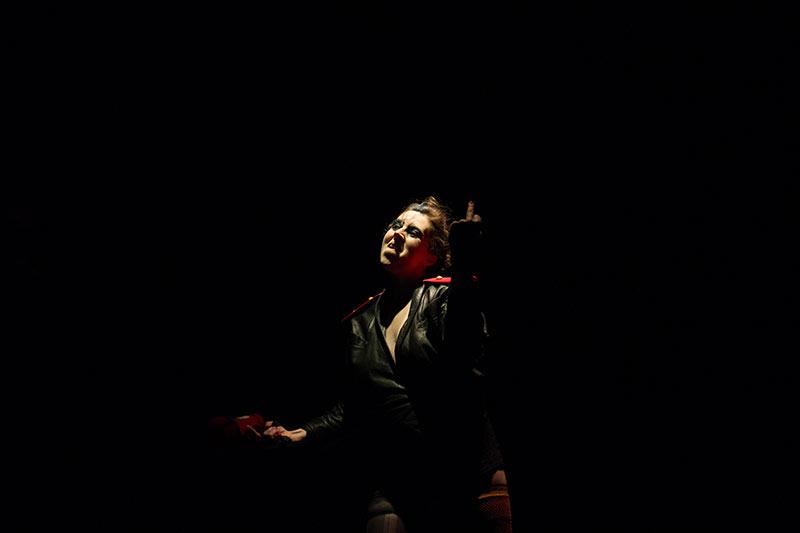 Les-Minuits-cabaret-minuits-serafine-punkette-01