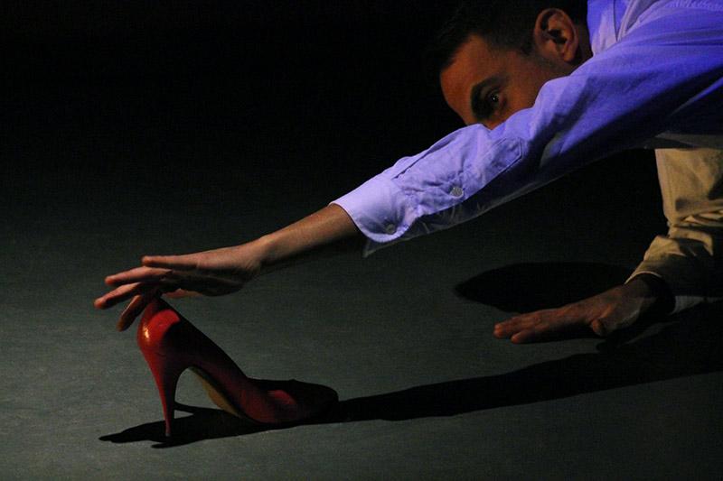 les-minuits-cabaret-fetichiste-chaussure