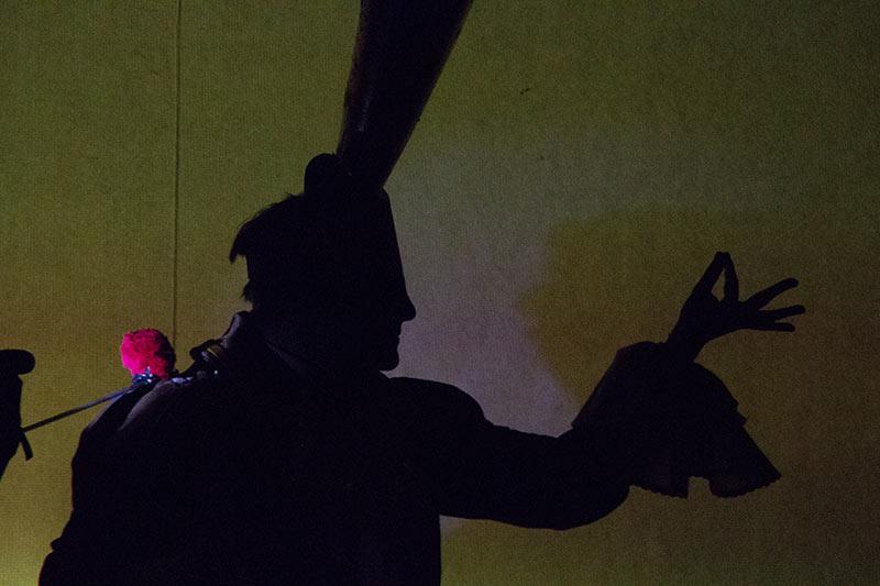 LES-MINUITS-Le-Prince-Masqué-Répétitions-avant-la-premiere-PM-en-ombre-pustule