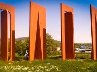 Les-minuits-tournee-roumanie-monument-dada