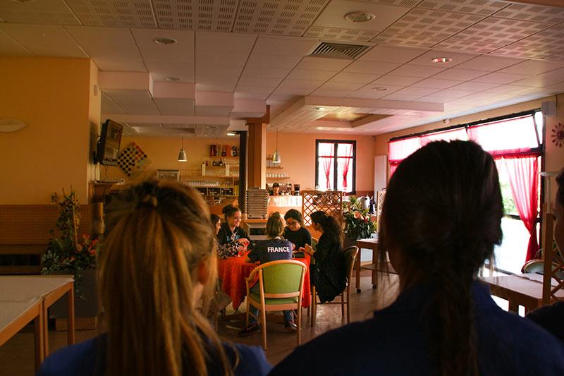 Les-Minuits-Aux-Arts-Sexisme-Le-Restaurant-01