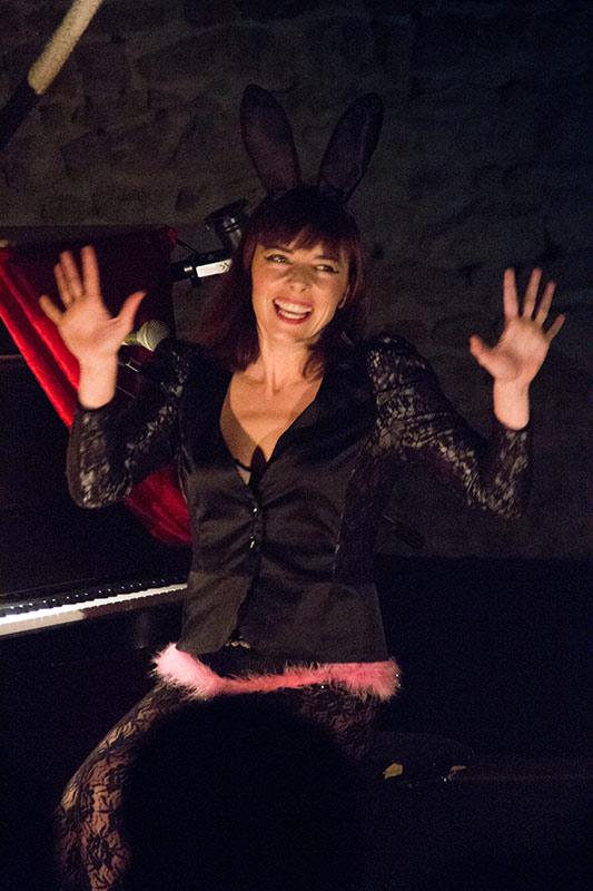 Chez-les-Minuits-Cabaret-merveilleux-de-Chauvesourella-02