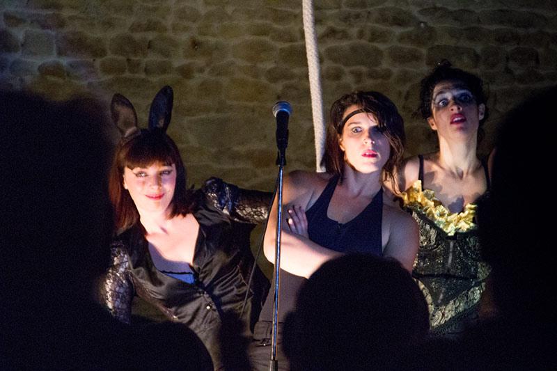 Chez-les-Minuits-Cabaret-merveilleux-de-Chauvesourella-10