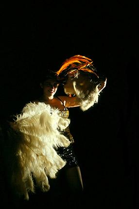 les-minuits-cabaret-poule-02