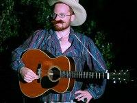 les-minuits-la-nuit-les-arbres-guitariste-americain