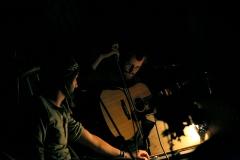 les-minuits-spectacle-le-petit-poucet-musiciens-serafine